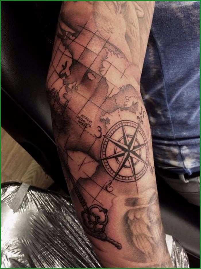 tattoo kompass und schiff auf see tattoovorlage innerhalb beste weltkarte tattoo vorlage gedanke